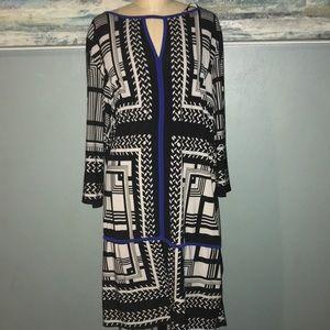 Blue, b+w dress - Super career hot! Geometric